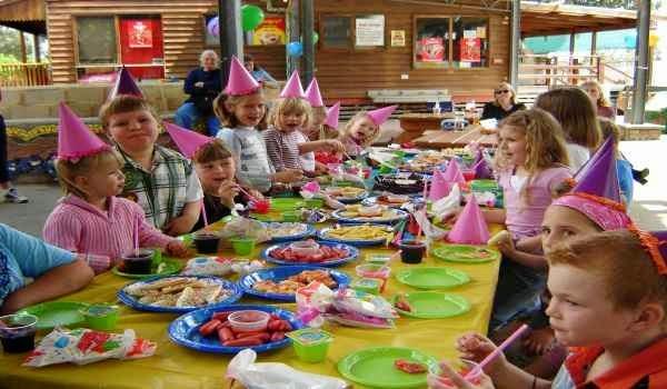 Lista invitados para la fiesta de cumpleaños infantil
