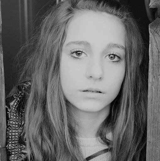 Zoe O'Neill - photo