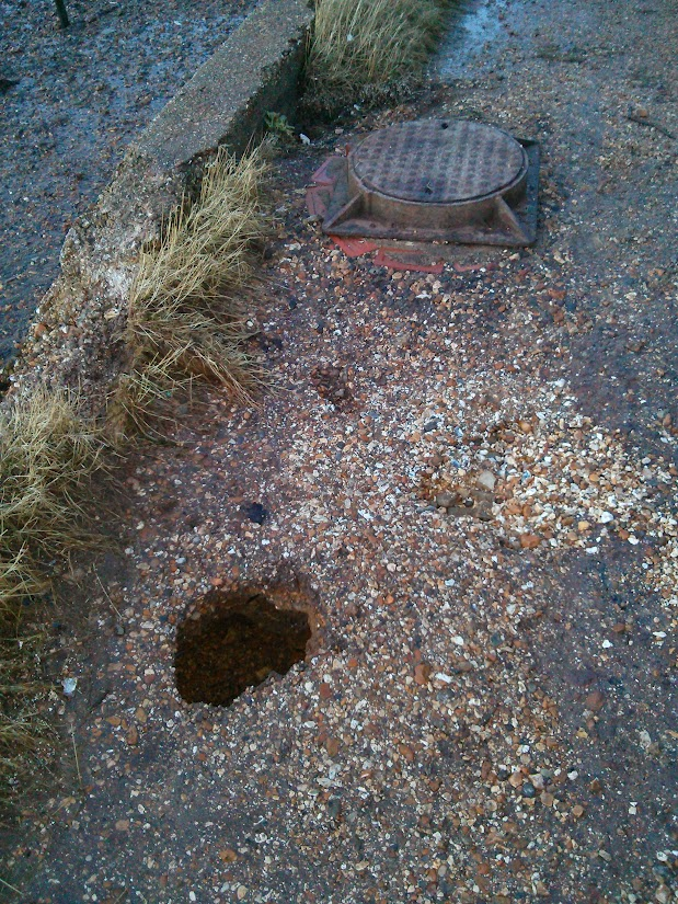 Photo by Steve Wooding: Mini Sink Hole