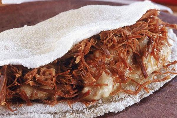 Tapioca de Carne Seca e Queijo