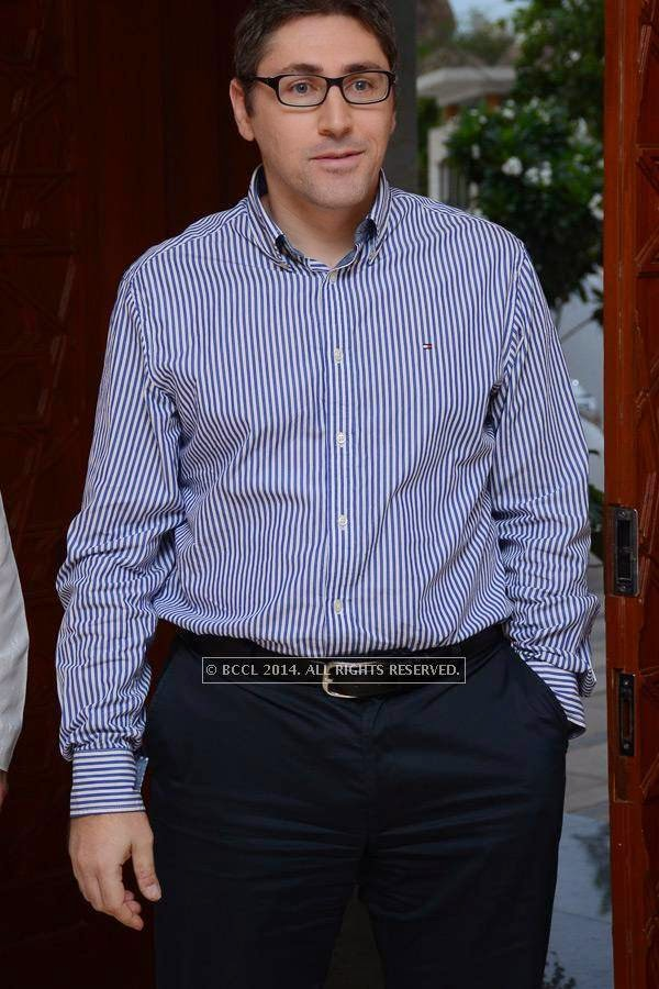 Murat during a grand Iftaar party, hosted by Mir Nasir Ali Khan in Hyderabad.