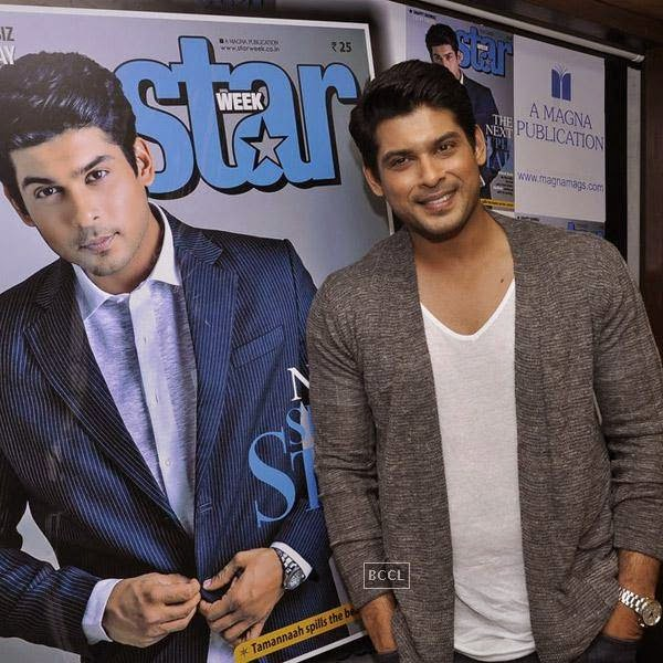 Siddharth Shukla arrives to launch Star Week magazine's latest issue in Mumbai, on July 31, 2014.(Pic: Viral Bhayani)