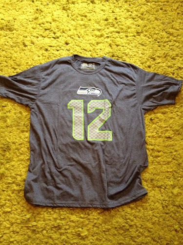 2013 Seahawks 12K race shirt