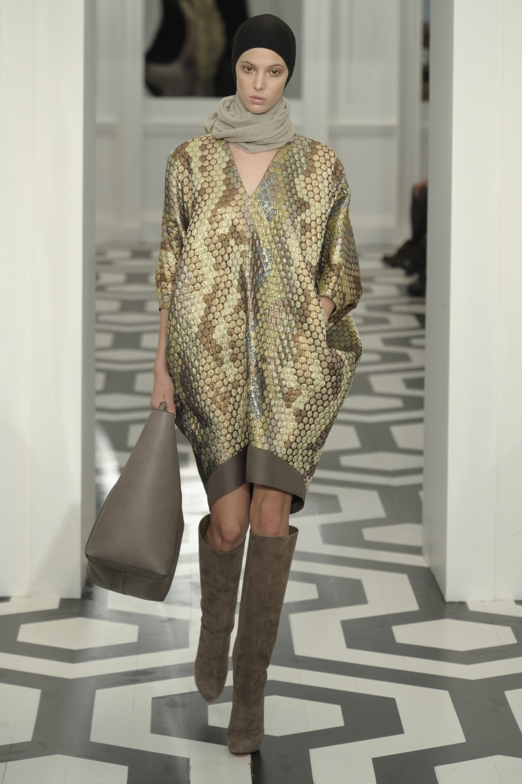 burberry prorsum quilted leather jacket 2011  coats - the Cocoon silhouette stood out at Victoria Beckham's NYFW