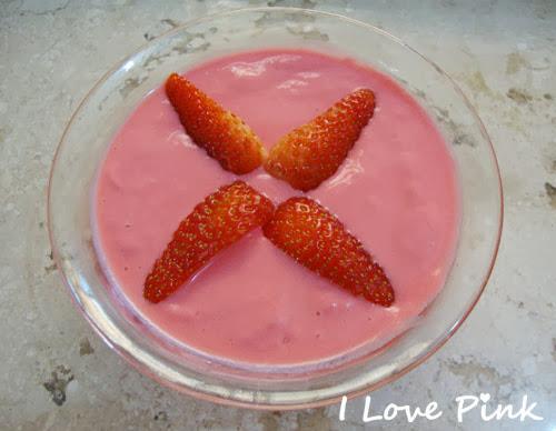 receita de sobremesa - creme cor de rosa de frutas