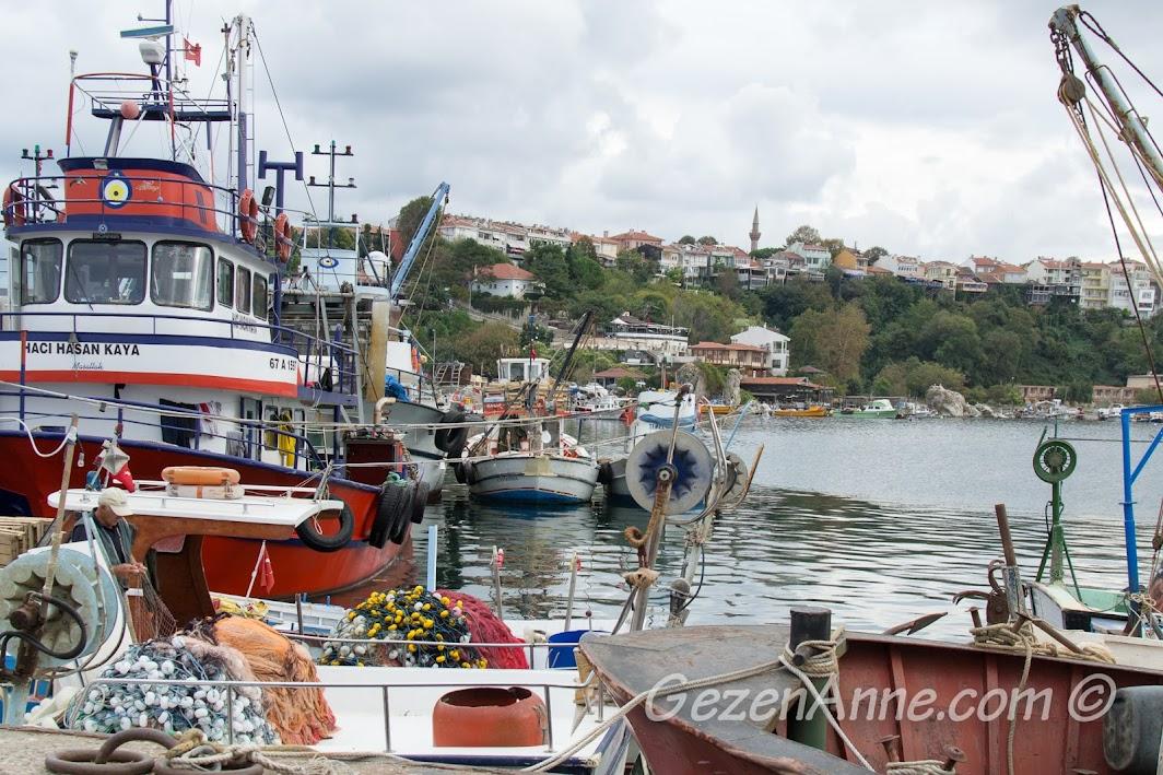 Şile limanındaki balıkçı tekneleri