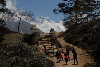 Khumjung Pass