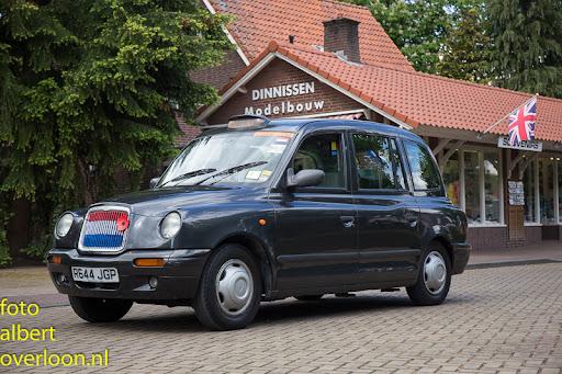 80 Britse taxi's met 160 Britse veteranen bezoeken het Oorlogsmuseum in Overloon 03-05-2014 (3).jpg