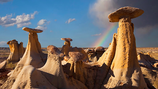 Hoodoo Rock Formations, Ah-Shi-Sle-Pah Badlands, New Mexico.jpg