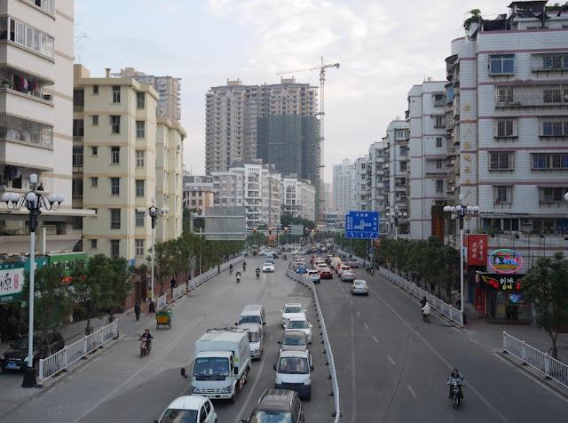 Shengli West Road (胜利路) in Zhangzhou