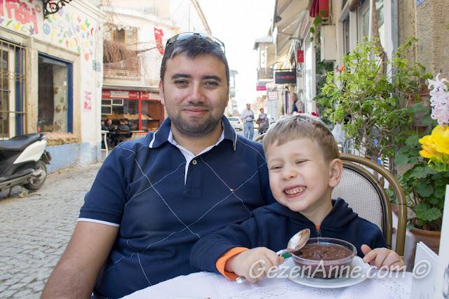 İmren'de tatlılarımızı yerken, Alaçatı Çeşme İzmir