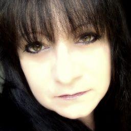Julie Lane Photo 29