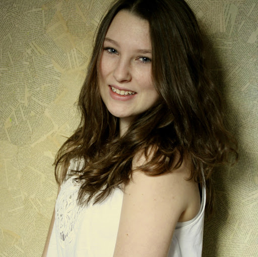 Anna Haag Photo 22