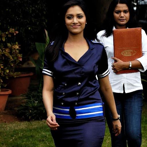 Anuradha Menon Photo 11