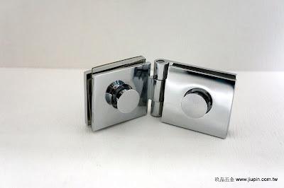 裝潢五金品名:K091-玻璃夾(雙邊) 規格:L75*D29m/m 型式:玻對玻可夾厚度:6~8m/m 顏色:PC 玖品五金