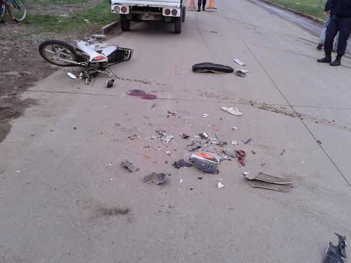 Dos jóvenes más están gravísimos por accidentes de moto el fin de semana