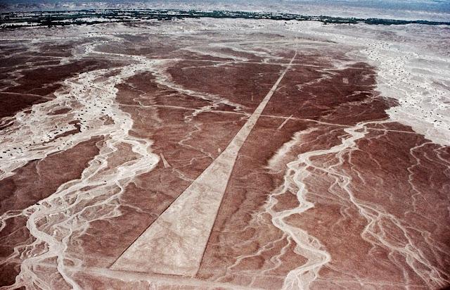 Las líneas de Nazca - Trapezoides - HistoriadelasCivilizaciones.com