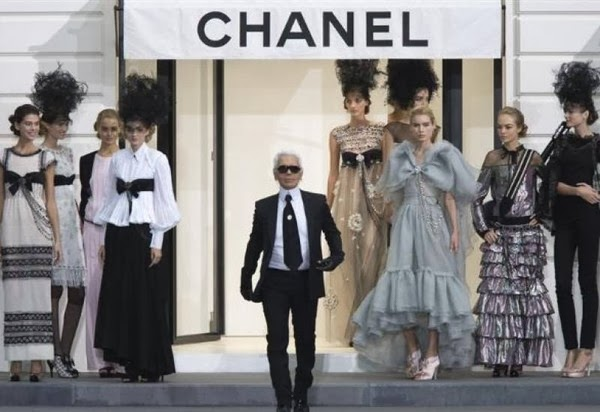 Karl Lagerfeld 帶領 Chanel 長達30年。