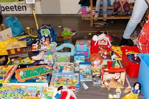 Kindermarkt - Schoenmaatjes Overloon 09-11-2014 (10).jpg