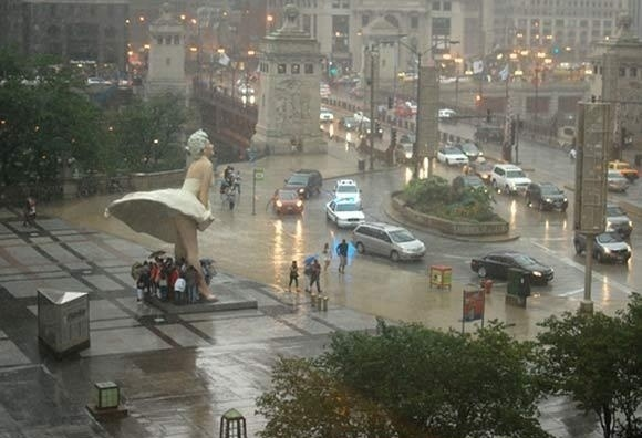 Marilyn Monroe Rain Shelter