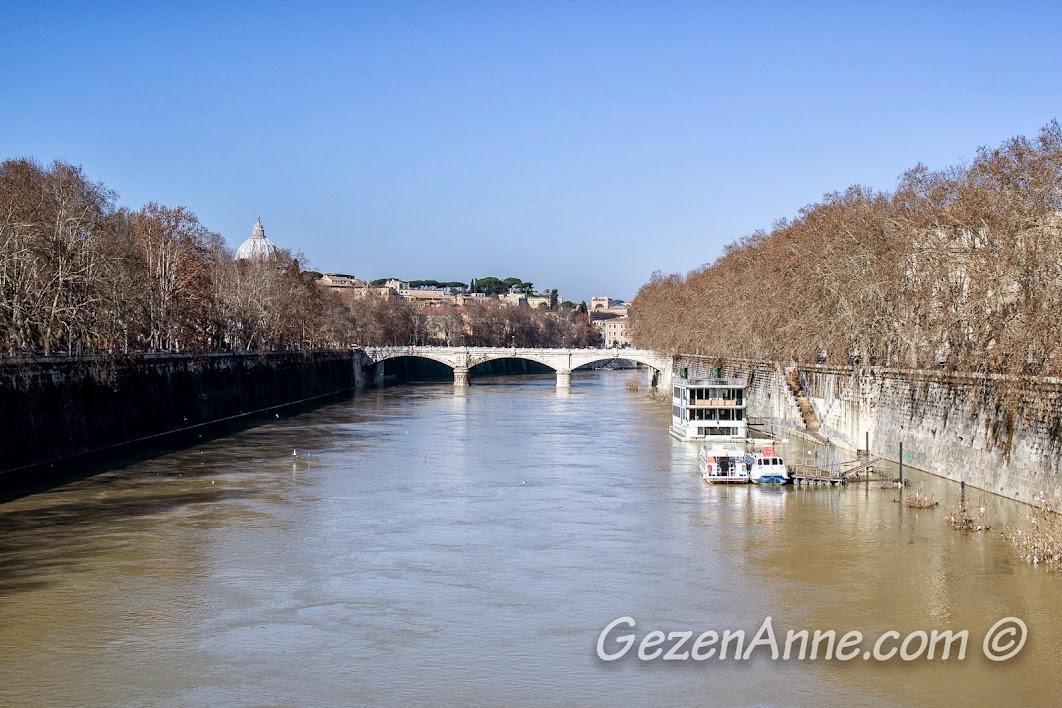 Tiber (Tevere) nehri, Roma