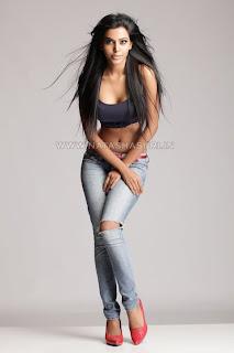 Natasha Suri Hot Photos Pics