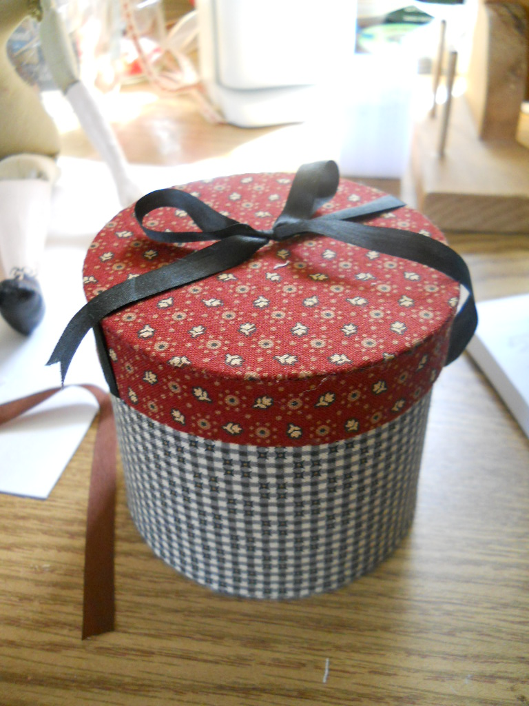 How to Turn a Hat Box Into a Cake How to Turn a Hat Box Into a Cake new images