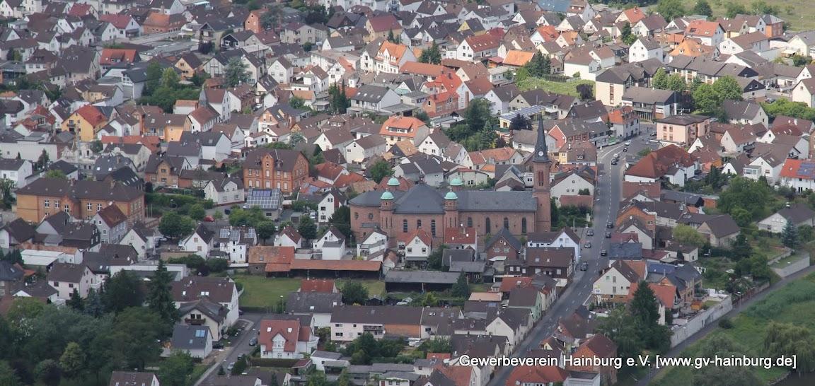 Luftaufnahmen von Hainburg (hier St. Wendelinus in Hainstadt) angefertig von Vorstandsmitglied Tobias Kemmerer, Gewerbeverein Hainburg e.V. 2014