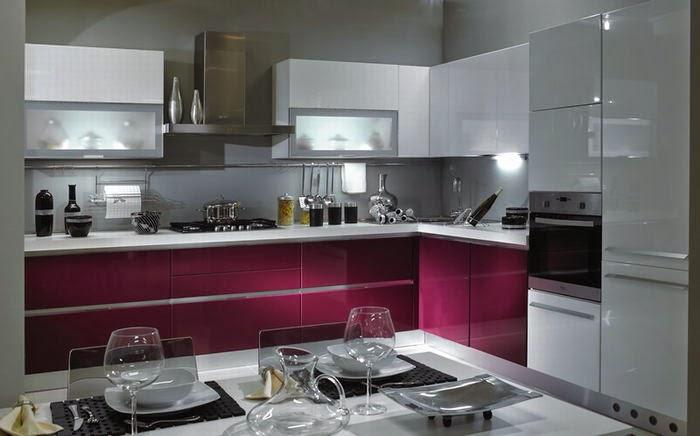 Arredo bagno, cucina, salotto, camera da letto color melanzana ...