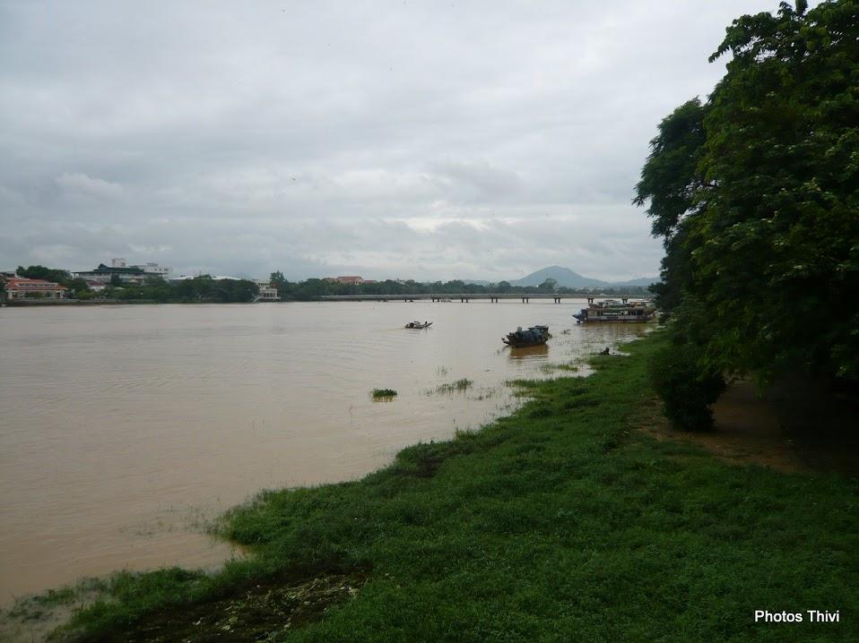 La Rivière des Parfums (Sông Huong)