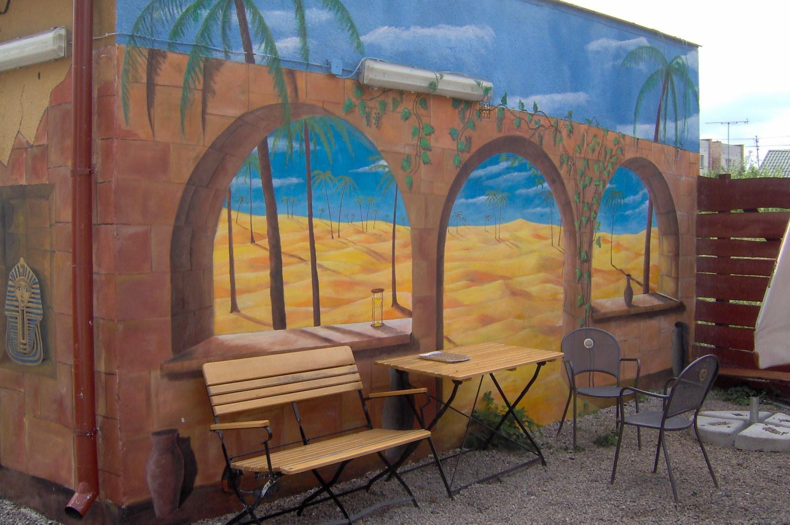 Aranżacja ściany w barze, Bydgoszcz