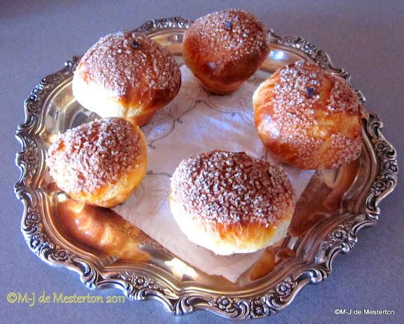 Brioche au Sucre, by M-J de Mesterton, The Elegant Cook