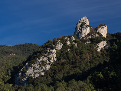 Les Agudes, vistes des d'un cap de roc