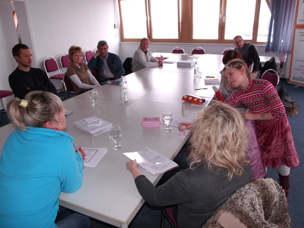 Ausländische Fachkräfte suchen häufig Rat, wenn es um ihre Anerkennungen geht. Hier bei einer Informationsveranstaltung im Jahr 2013 im Amt Gartz (Oder)..