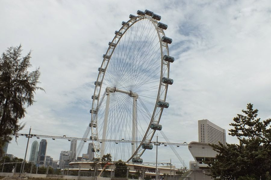 Tallest Ferris Wheel In The World >> Singapore Flyer Tallest Ferris Wheel In The World Sabari Kriesh