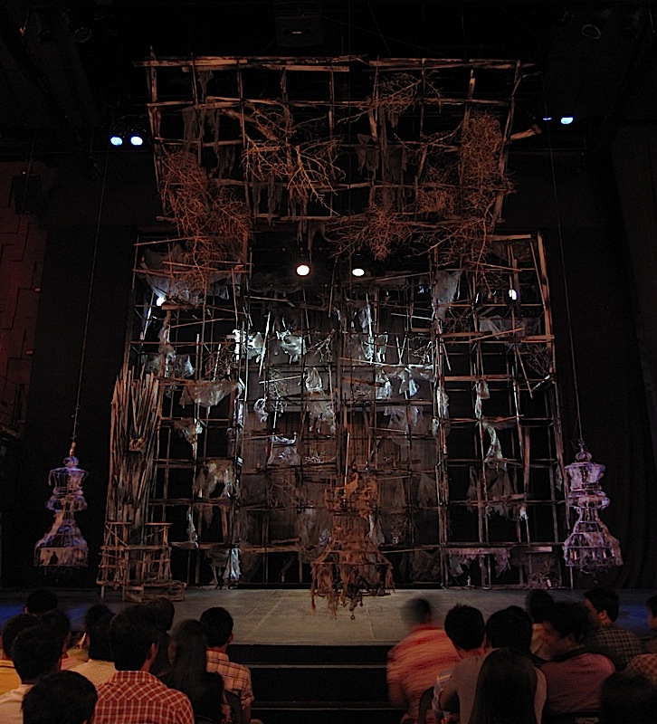 Gino Gonzales' set for PETA Theater's production of 'Haring Lear'