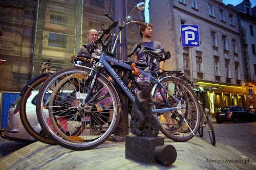 Wrocławski krasnal na rowerze