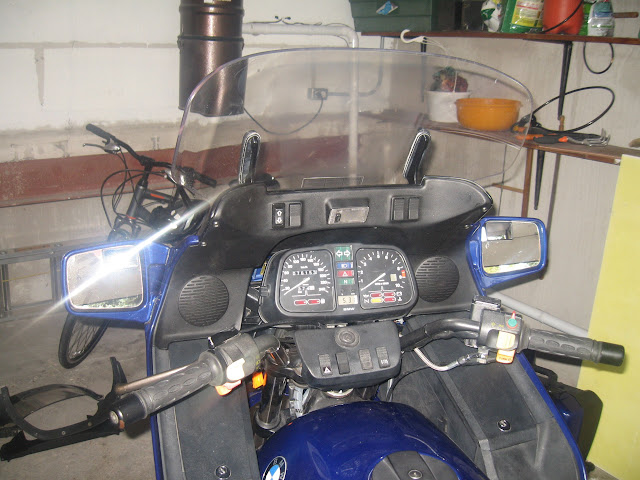 Mounting an electric windshiel on a K100rt 012%2520%25283%2529