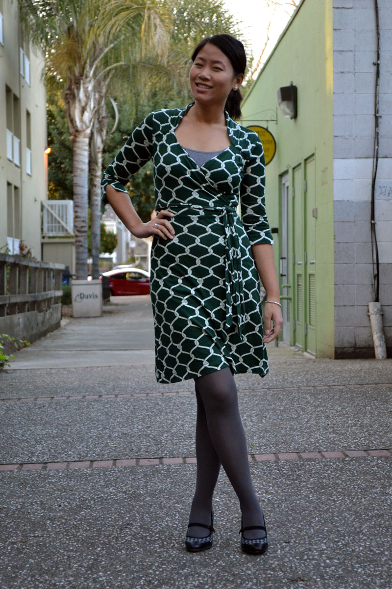 sacramento office fashion blogger angeline evans the new professional blog business casual banana republic faux wrap dress anne klein heels forever 21 tights