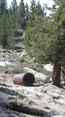 Equipment left over from the construction of Relief Reservoir Dam. ©http://backpackthesierra.com
