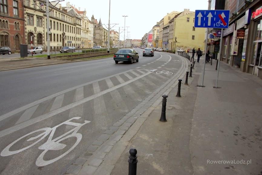 Warto zwrócić uwagę na separatory, które uniemożliwiają parkowanie samochodów. Mogą być estetyczne (nie żółte i niskie?!)