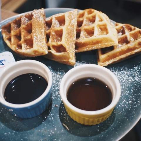 habitat coffee, waffles, foodporn, singapore, cafes, singapore cafes