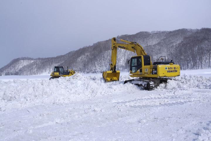 写真:除雪作業