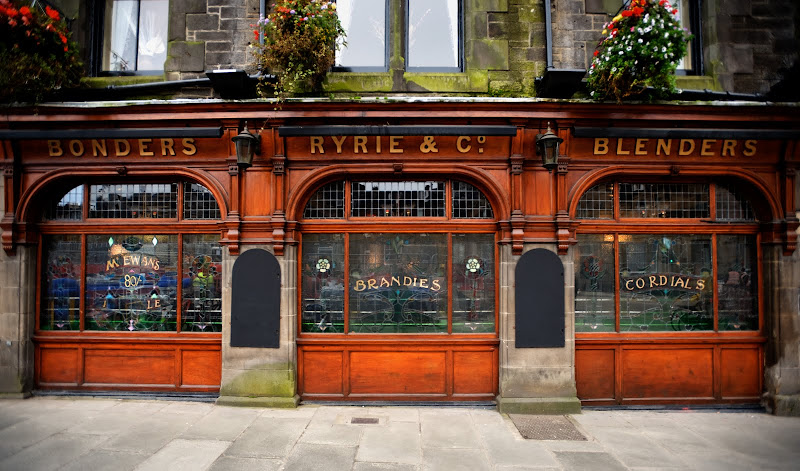 Pubs of Edinburgh and Glasgow: Ryrie Bar