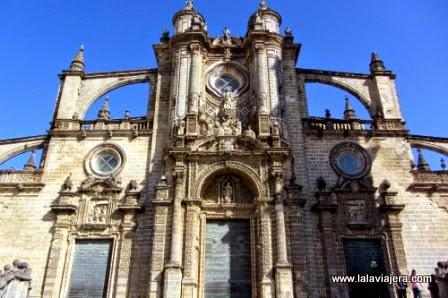 Portada barroca de la Catedral de Jerez