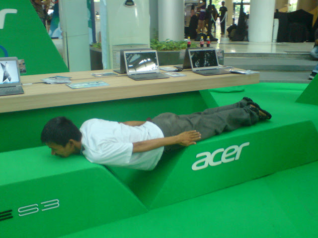me is trying planking
