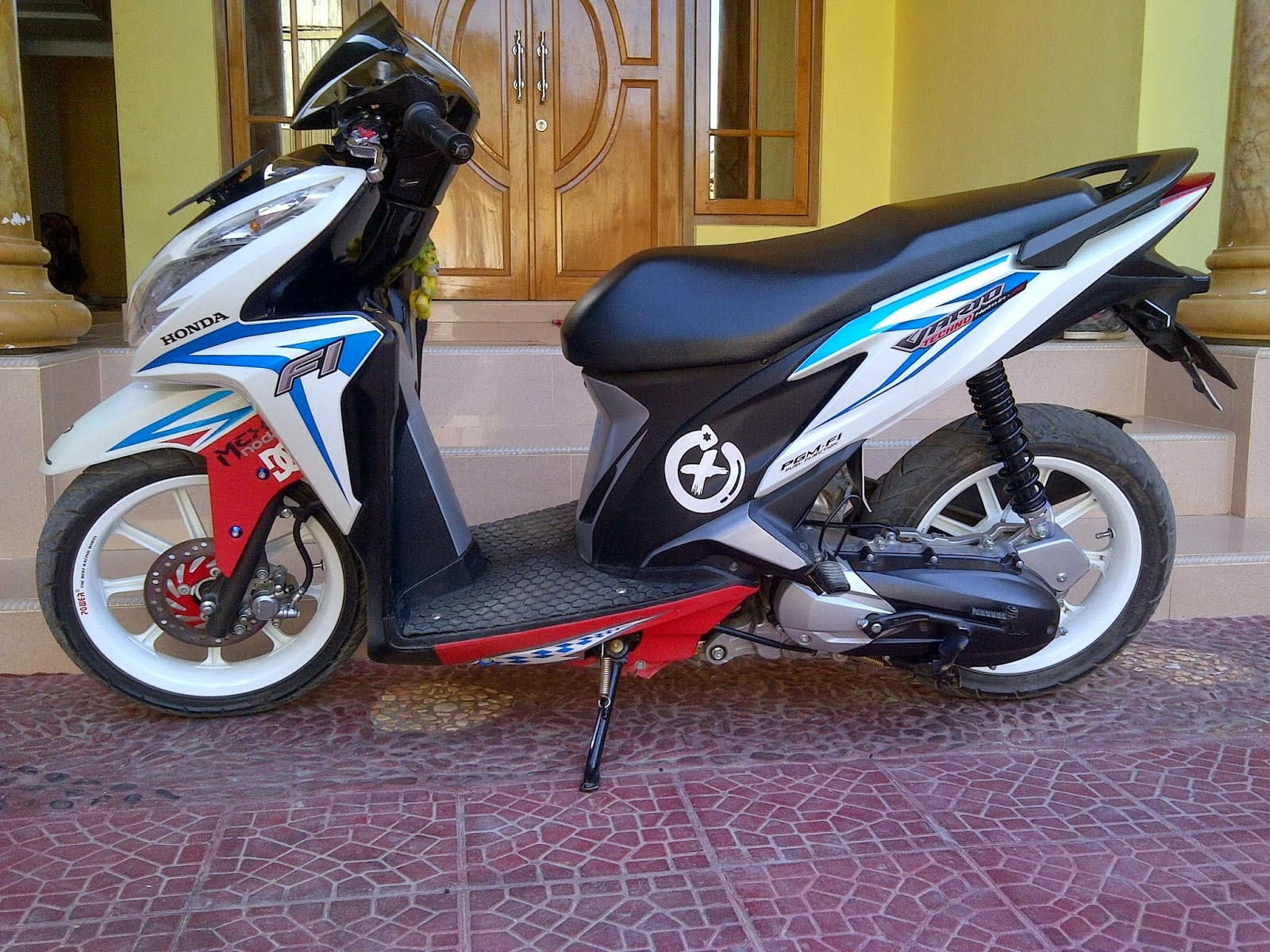 Vario Modifikasi Simple Thecitycyclist