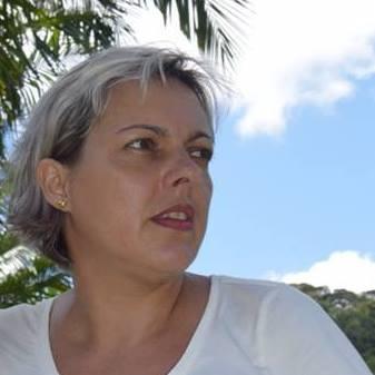 Silvia Souza Photo 23