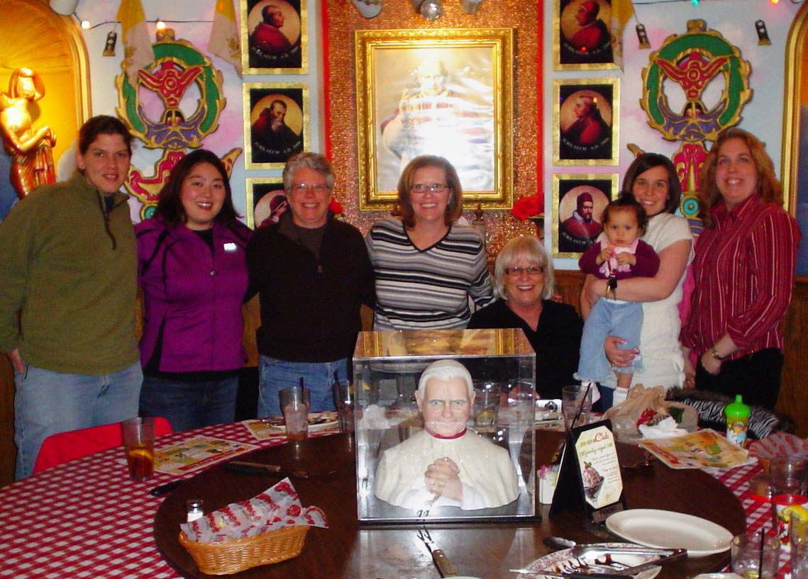 The places i go dinner with the pope sort of - Buca di beppo pope table ...