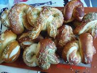 Bretzel maison au gomasio et sésame au wasabi - recette indexée dans les Entrées